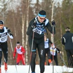 Skiing 90 km - Eskil Moe (4109)