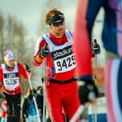 Skiing 90 km - Henrik Nilsson (9429)