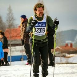 Skiing 90 km - Jonas Roos (12913)