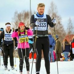 Skiing 90 km - Oscar Forsslund (14333), Eva Paatere (17908)
