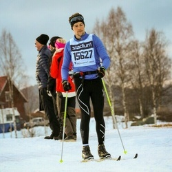 Skiing 90 km - Adriel Young (15627)