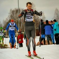 Skiing 90 km - Fredrik Lindström (11224)
