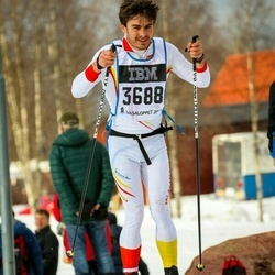 Skiing 90 km - Henry Churchill (3688)