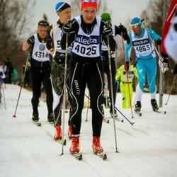 Skiing 90 km - Henrik Fors (4025)