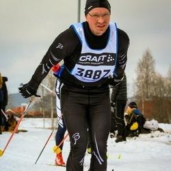 Skiing 90 km - Henrik Johansson-Kask (3887)