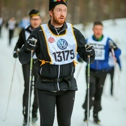 Skiing 90 km - Fredrik Hallqvist (13179)