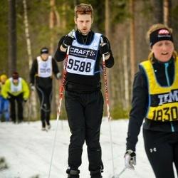 Skiing 90 km - Alexander Caspersson (9588)