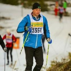 Skiing 90 km - Fredrik Hector (9351)