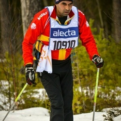 Skiing 90 km - Arshed Khan (10910)