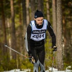 Skiing 90 km - Fredrik Olausson (2044)