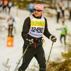 Skiing 90 km - Daniel Billinghan (12490)