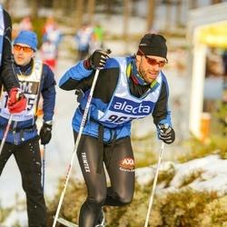 Skiing 90 km - David Widing (9633)