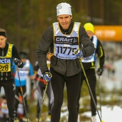 Skiing 90 km - Henric Svensson (11775)