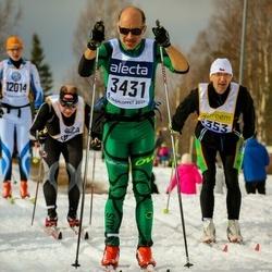 Skiing 90 km - Jean Claude Legras (3431), Petr Pradac (5353)