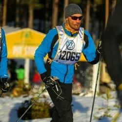 Skiing 90 km - Henrik Lindström (12065)