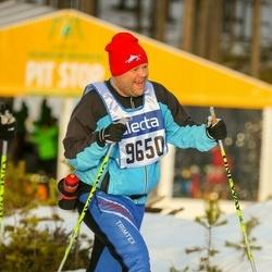 Skiing 90 km - Ceacar Ax (9650)