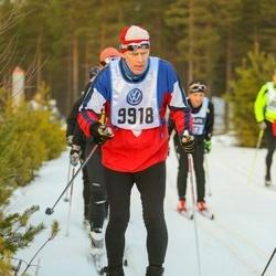 Skiing 90 km - Anders Hellsten (9918)