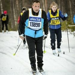 Skiing 90 km - Henrik Söderberg (13898)
