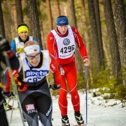 Skiing 90 km - Jan Diesen (4296)