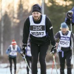 Skiing 90 km - Henrik Isaksson (10307)