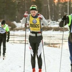 Skiing 90 km - Adriene Underhill (18065)