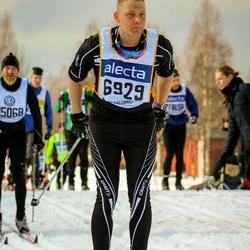 Skiing 90 km - Henrik Eng (6929)