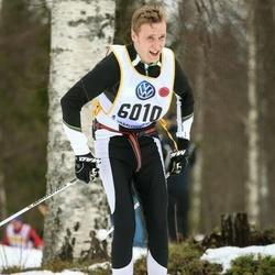 Skiing 90 km - Thomas Murtnes (6010)