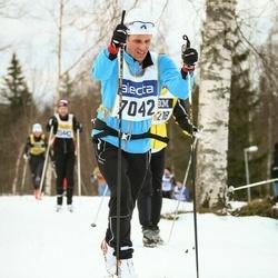 Skiing 90 km - Douglas Erliden (7042)
