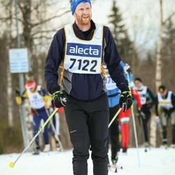 Skiing 90 km - Simon Bylund (7122)