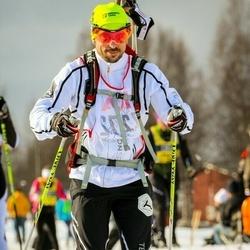 Skiing 90 km - Dennis Sohlin (7272)