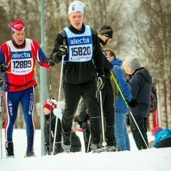 Skiing 90 km - Lars Svartnäs (12889), Anders Sellgren (15820)