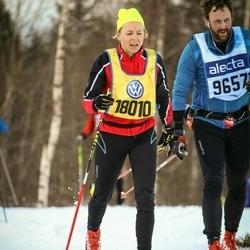 Skiing 90 km - Björn Moberg (9657), Åsa Gadler (18010)