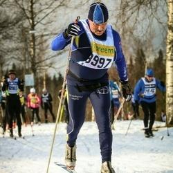 Skiing 90 km - Peter Davidson (8997)