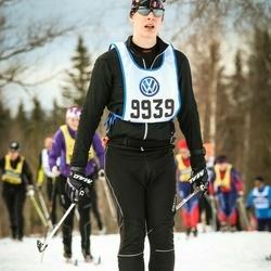 Skiing 90 km - Erik Lundberg (9939)