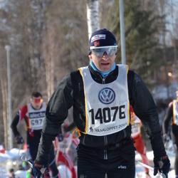 Skiing 90 km - Esten Koren (14076)
