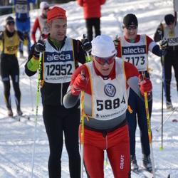 Skiing 90 km - Bo Hansen (5884), Kristofer Signer (12952)