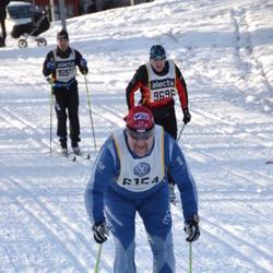 Skiing 90 km - Roger Torlamb (6154), Ales Skoda (9696)