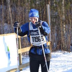 Skiing 90 km - Henrik Nilsson (11969)