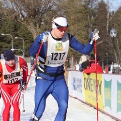 Skiing 90 km - Erik Viklund (1217)