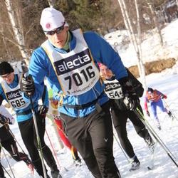 Skiing 90 km - Cenny Flodin Holmström (7016)
