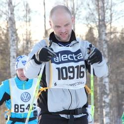 Skiing 90 km - Henrik Thorold (10916)
