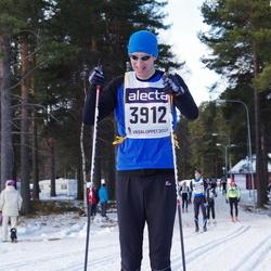 Skiing 90 km - Christian Buchli (3912)