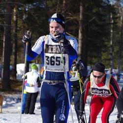 Skiing 90 km - Iain Moore (3654)