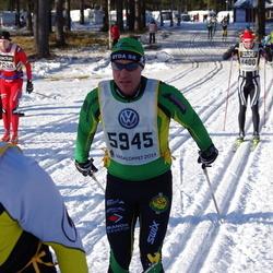Skiing 90 km - Anders Sahlin (5945)