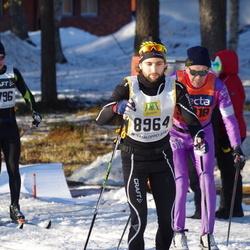 Skiing 90 km - Adam Graffman (8964)