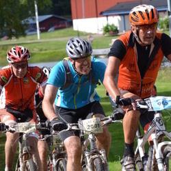 Cycling 90 km - Anders Hellman (2001)
