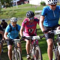 Cycling 90 km - Kent Eriksson (4119), Henrik Elofsson (4214)