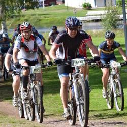 Cycling 90 km - Magnus Stranneby (3601), Janne Lindström (4212)