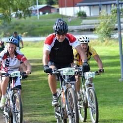 Cycling 90 km - Sandra Näslund (2932), Bjorne Olsson (4408)