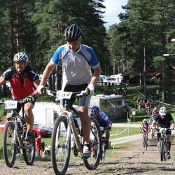 Cycling 90 km - Kjell Bengtsson (7361), David Palmqvist (9105)